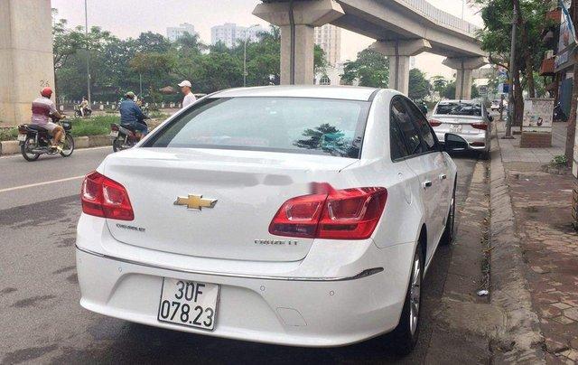 Cần bán xe Chevrolet Cruze 2018, màu trắng1