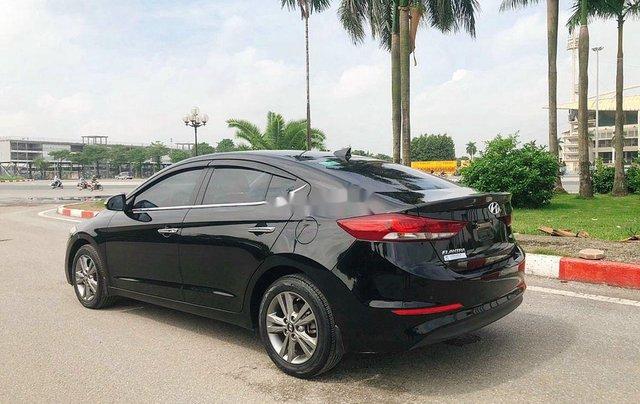 Bán Hyundai Elantra 1.6 AT sản xuất 2017, màu đen, 535tr3
