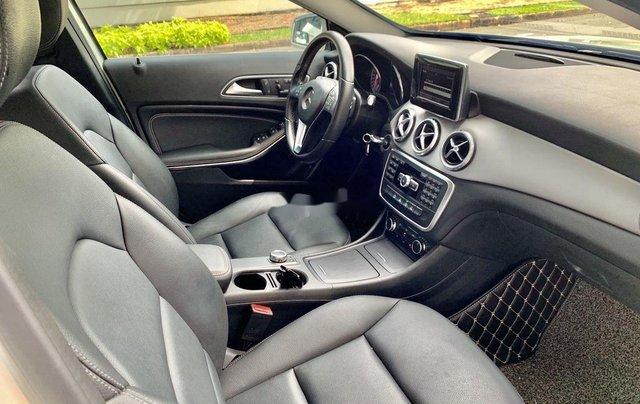 Cần bán gấp Mercedes GLA200 sản xuất năm 2015, màu trắng, xe nhập4