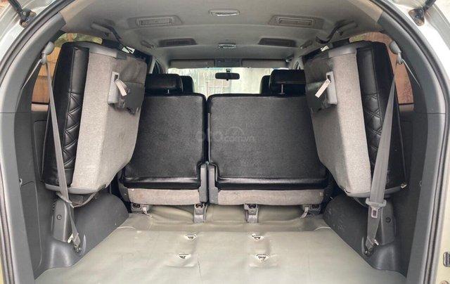 Rộng rãi - Lành xe - Innova 2013 màu bạc, số sàn2
