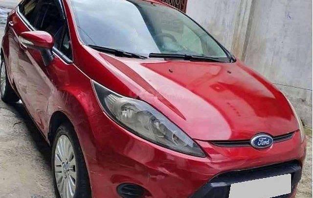Xe Ford Fiesta AT năm sản xuất 2011, màu đỏ còn mới0