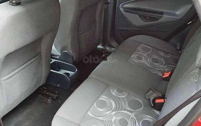 Xe Ford Fiesta AT năm sản xuất 2011, màu đỏ còn mới1
