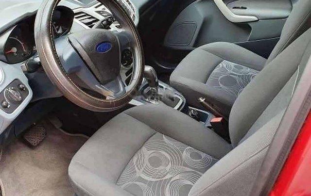 Xe Ford Fiesta AT năm sản xuất 2011, màu đỏ còn mới2