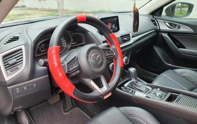 Gia đình bán xe Mazda 3 trắng, mua T3.2019, đi 18.200 km, giá 610 triệu1