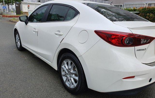 Gia đình bán xe Mazda 3 trắng, mua T3.2019, đi 18.200 km, giá 610 triệu2