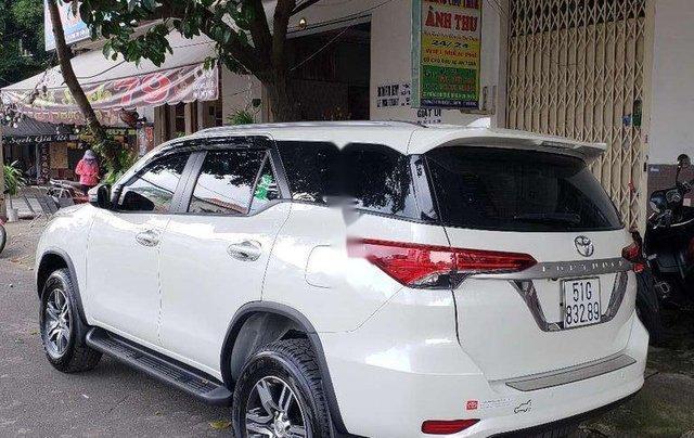 Cần bán lại xe Toyota Fortuner đời 2018, màu trắng, nhập khẩu nguyên chiếc còn mới2