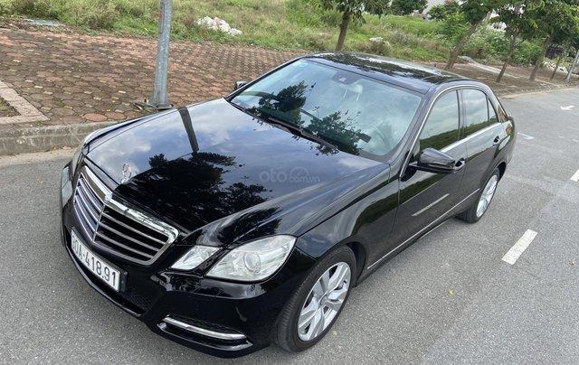 Xe Mercedes E250 năm sản xuất 2011, màu đen4