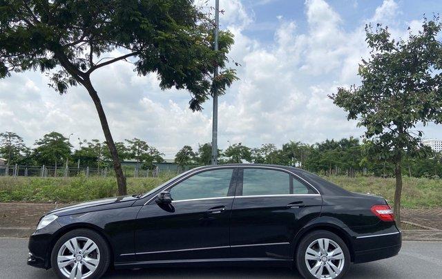 Xe Mercedes E250 năm sản xuất 2011, màu đen8