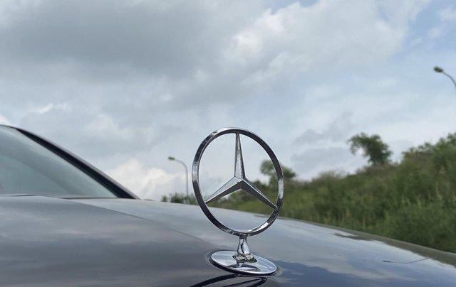 Xe Mercedes E250 năm sản xuất 2011, màu đen9