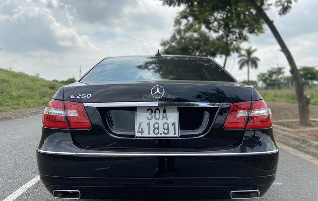 Xe Mercedes E250 năm sản xuất 2011, màu đen6