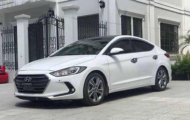 Xe Hyundai Elantra năm sản xuất 2017, màu trắng còn mới0