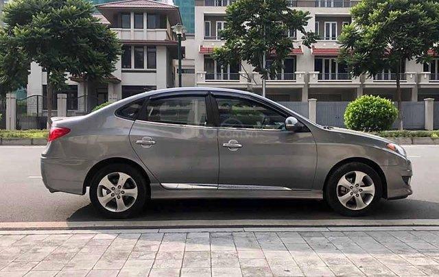 Bán Hyundai Avante sản xuất 2011, màu xám còn mới, 326tr2