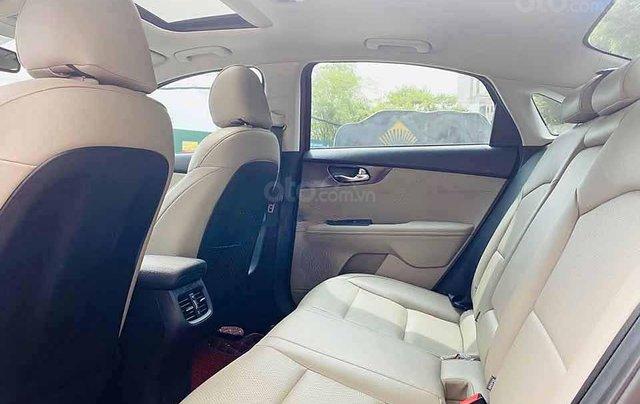 Cần bán lại xe Kia Cerato năm sản xuất 2019, màu đỏ còn mới, giá chỉ 616 triệu1
