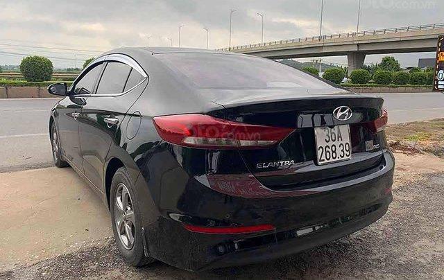 Bán ô tô Hyundai Elantra năm 2016, màu đen còn mới, 428 triệu3