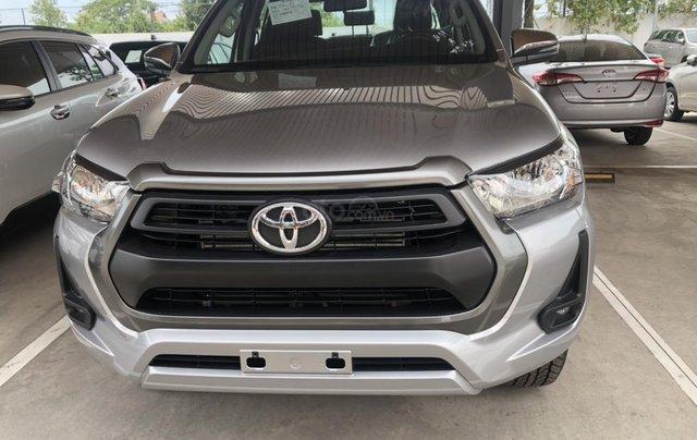 Bán Toyota Hilux số sàn 2.4 mẫu 2021, giao xe ngay- Khuyến mãi giảm tiền mặt0