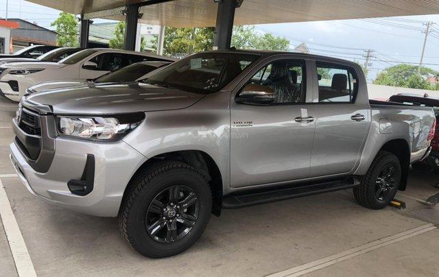 Bán Toyota Hilux số sàn 2.4 mẫu 2021, giao xe ngay- Khuyến mãi giảm tiền mặt1