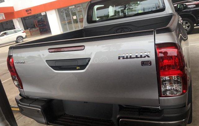 Bán Toyota Hilux số sàn 2.4 mẫu 2021, giao xe ngay- Khuyến mãi giảm tiền mặt2