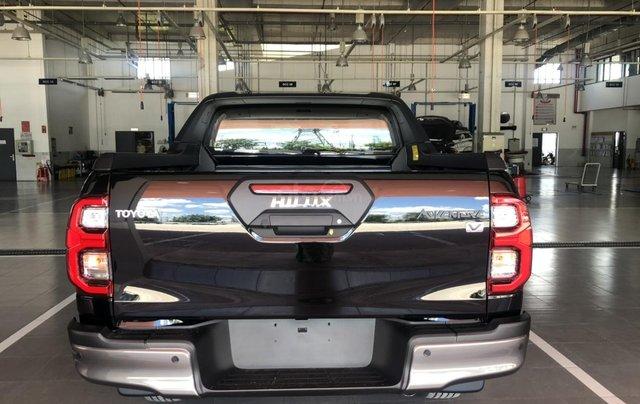 Toyota Hilux 2.8Q 2021 màu đen giao ngay- khuyến mãi giảm giá tiền mặt1