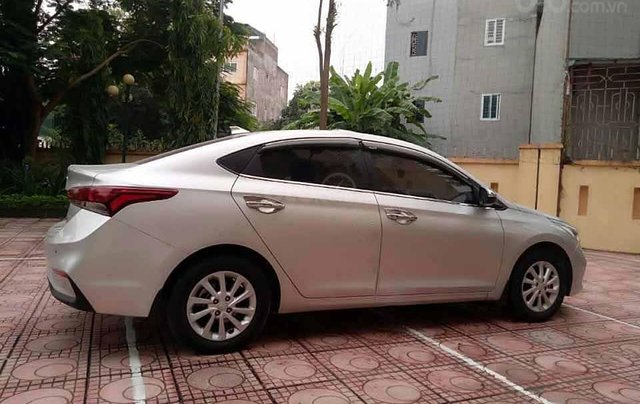 Bán ô tô Hyundai Accent 1.4 MT sản xuất năm 2019, màu bạc 1