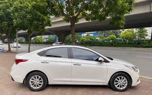 Bán xe Hyundai Accent đời 2019, màu trắng còn mới1