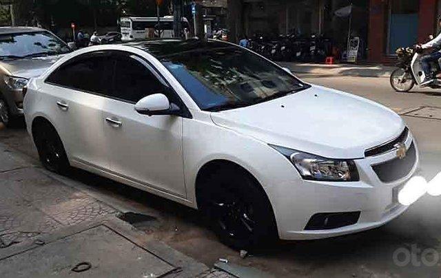 Cần bán gấp Chevrolet Cruze LS năm sản xuất 2015, màu trắng, nhập khẩu nguyên chiếc còn mới0