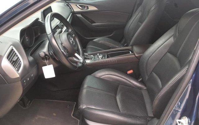 Chính chủ bán Mazda 3 sedan 1.5L, màu xanh, nội thất đen, xe sản xuất 10/2018, bảo hành bảo dưỡng toàn bộ tại hãng10