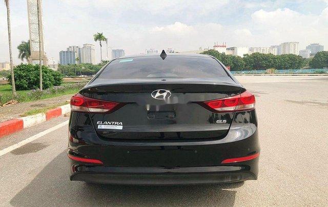 Bán Hyundai Elantra 1.6 AT sản xuất 2017, màu đen, 535tr2