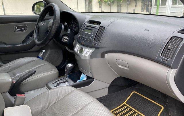 Bán Hyundai Avante đời 2012, màu đen xe gia đình2