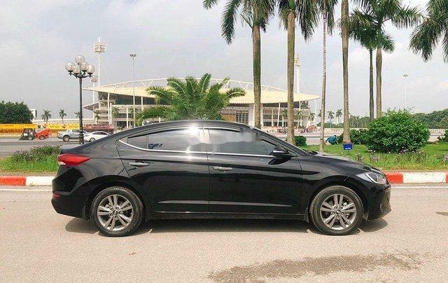Bán Hyundai Elantra 1.6 AT sản xuất 2017, màu đen, 535tr4