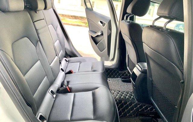 Cần bán gấp Mercedes GLA200 sản xuất năm 2015, màu trắng, xe nhập5