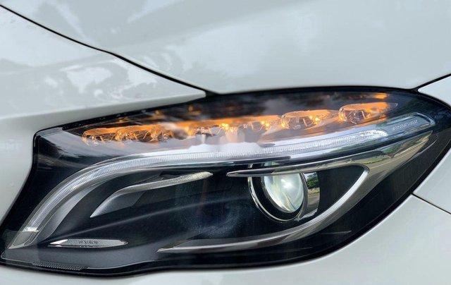 Cần bán gấp Mercedes GLA200 sản xuất năm 2015, màu trắng, xe nhập2