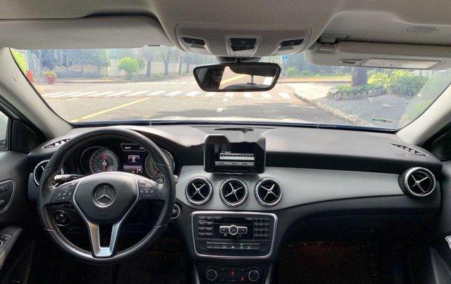 Cần bán gấp Mercedes GLA200 sản xuất năm 2015, màu trắng, xe nhập3