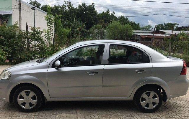 Cần bán xe Daewoo Gentra đời 2011, màu bạc, nhập khẩu 0