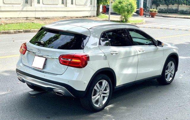 Cần bán gấp Mercedes GLA200 sản xuất năm 2015, màu trắng, xe nhập6