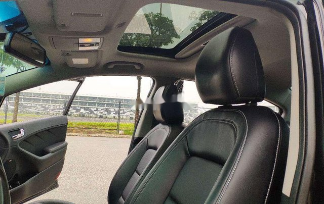 Cần bán xe Kia K3 đời 2015, màu đen còn mới8