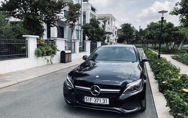 Mercedes C200 sx 2015, đk 2016, màu đen, nội thất kem0