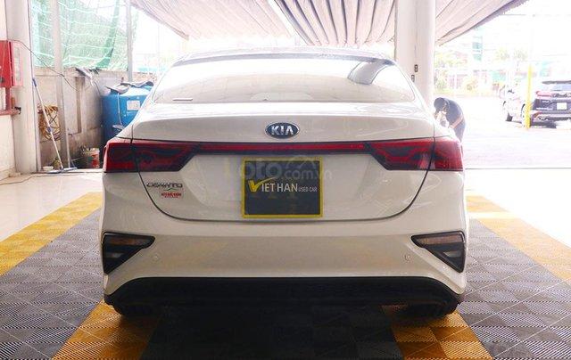Kia Cerato 1.6MT 2019, màu trắng3