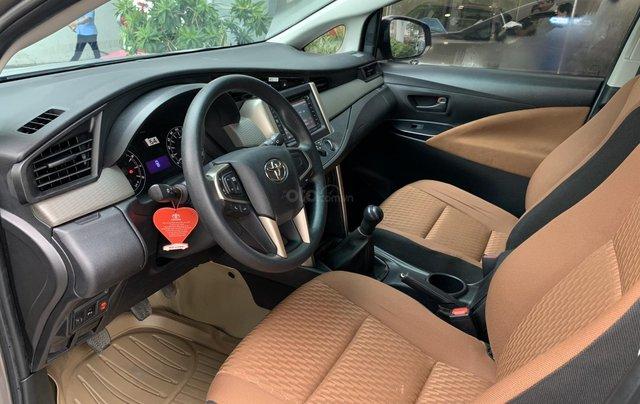 Cần bán Toyota Innova 2018, trùm mền bao êm4