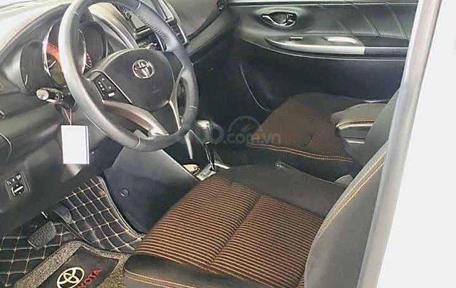 Cần bán Toyota Yaris 1.5G sản xuất 2017, màu trắng, xe nhập 2