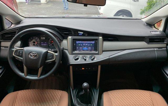 Cần bán Toyota Innova 2018, trùm mền bao êm5