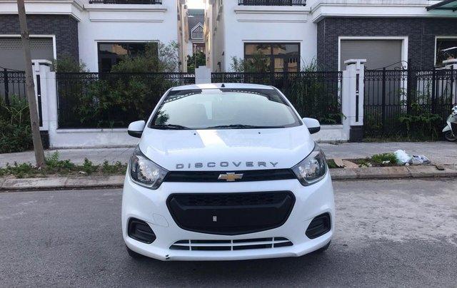 Cần bán gấp Chevrolet Spark đời 2018, màu trắng, rất mới, đi chuẩn 26.000 km0