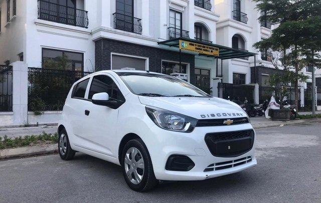 Cần bán gấp Chevrolet Spark đời 2018, màu trắng, rất mới, đi chuẩn 26.000 km1