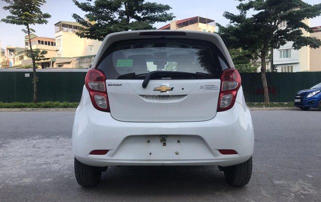 Cần bán gấp Chevrolet Spark đời 2018, màu trắng, rất mới, đi chuẩn 26.000 km5
