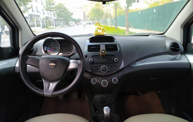Xe Chevrolet Spark đời 2017, màu xanh lam còn mới, giá chỉ 205 triệu đồng8