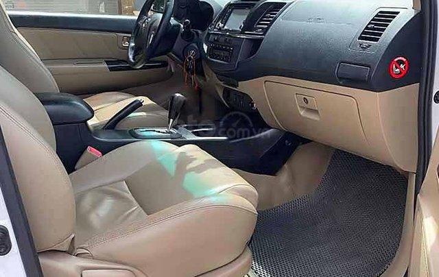 Cần bán Toyota Fortuner 2.7V năm 2015, màu trắng3