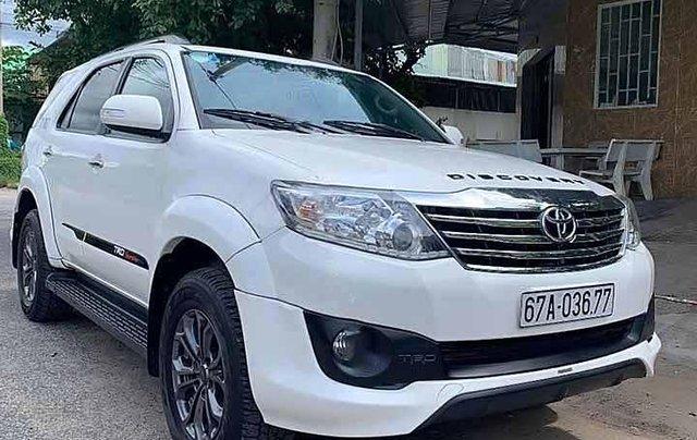 Cần bán Toyota Fortuner 2.7V năm 2015, màu trắng0