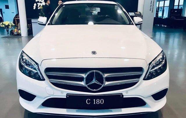Mercedes-Benz C180 2020 giá tốt nhất, hỗ trợ 50% thuế trước bạ, tặng 1 năm bảo hiểm thân vỏ, 2 năm bảo dưỡng1