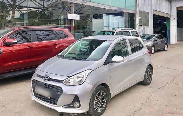 Cần bán Hyundai Grand i10 sản xuất 2017, màu bạc, xe nhập  0