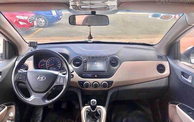 Cần bán Hyundai Grand i10 sản xuất 2017, màu bạc, xe nhập  2