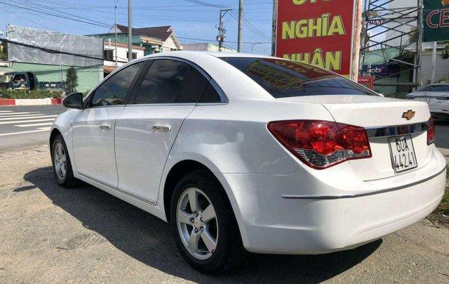 Cần bán lại xe Chevrolet Cruze năm 2014, màu trắng còn mới9